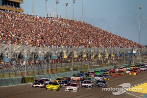 Start race at Homestead