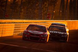 Juan Pablo Montoya, Earnhardt Ganassi Racing Chevrolet and Kurt Busch, Furniture Row Racing Chevrolet