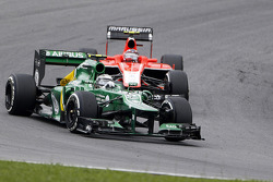 Giedo van der Garde, Caterham CT03 leads Max Chilton, Marussia F1 Team MR02