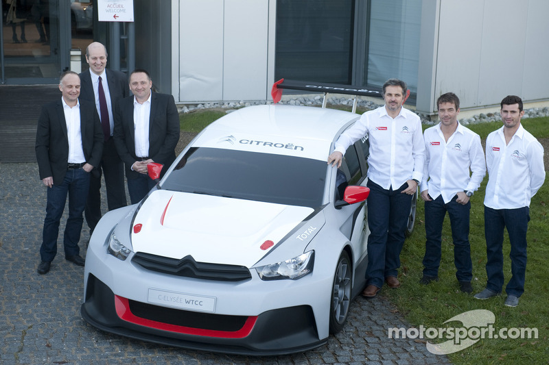 Yvan Muller, Sébastien Loeb and Jose-Maria Lopez with the Citroën C-Elysée WTCC
