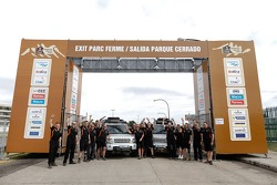 Land Rover team photo