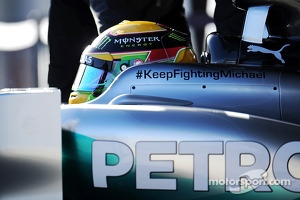 Lewis Hamilton, Mercedes AMG F1 W05 with a message of support for Michael Schumacher