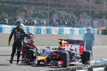 Daniel Ricciardo, Red Bull Racing RB10 stops on the circiuit