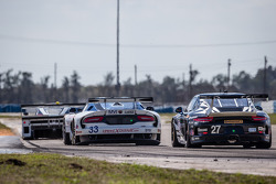 #33 Riley Motorsports SRT Viper GT3-R: Ben Keating, Jeroen Bleekemolen, Sebastiaan Bleekemolen, Marc Goossens, #27 Dempsey Racing Porsche 911 GT America: Joe Foster, Andrew Davis