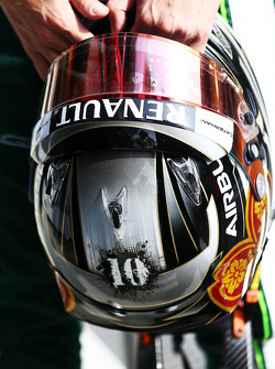 The helmet of Kamui Kobayashi, Caterham