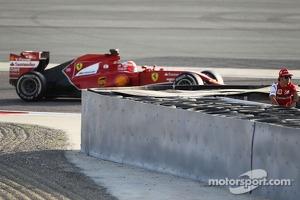 Kimi Raikkonen, Ferrari F14-T passes teammate Fernando Alonso, Ferrari