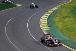 Daniel Ricciardo, Red Bull Racing RB10 leads Kevin Magnussen, McLaren MP4-29