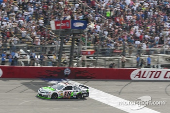 Kyle Busch, Joe Gibbs Racing Toyota takes the win