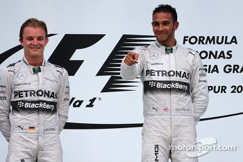 Nico Rosberg (GER), Mercedes AMG F1 Team and Lewis Hamilton (GBR), Mercedes AMG F1 Team  30