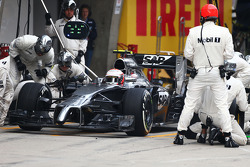 Kevin Magnussen, McLaren MP4-29 makes a pit stop