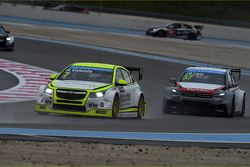 Hugo Valente, Chevrolet RML Cruze TC1, Campos Racing and Jose Maria Lopez, Citroën C-Elysee WTCC, Citroën Total WTCC