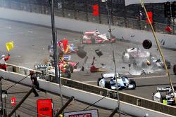 Sebastian Saavedra, KV Racing Technology Chevrolet is hit by Mikhail Aleshin, Schmidt Peterson Hamilton Motorsports Honda after stalling at the start
