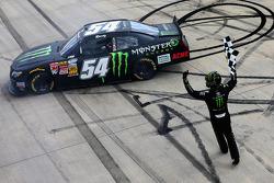 NASCAR-NS: Race winner Kyle Busch