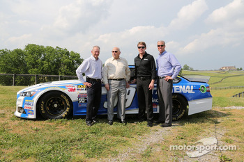 Carl Edwards visits Kentucky