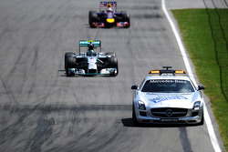 Nico Rosberg, Mercedes AMG F1 W05 leads behind the FIA Safety Car