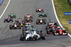 F1: Pole sitter Felipe Massa, Williams FW36 leads at the start of the race