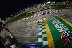Kyle Busch takes the win