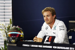 F1: Nico Rosberg, Mercedes AMG F1 in the FIA Press Conference with his World Cup celebrating helmet