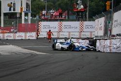 INDYCAR: Carlos Huertas, Dale Coyne Racing Honda crashes