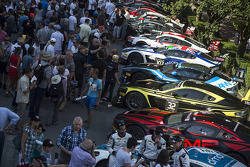 Fans and cars
