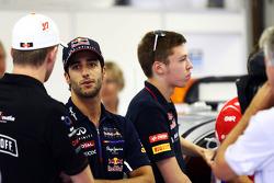 Jean-Eric Vergne, Scuderia Toro Rosso on the drivers parade.