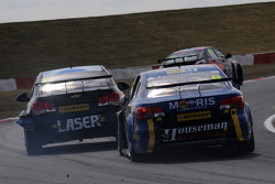 BTCC: Lea Wood, Houseman Racing chases Aiden Moffat, Laser Tools Racing