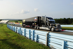 Hauler of Nelson Piquet Jr., Ford