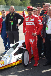 Fernando Alonso, Ferrari with a car from the Shell Eco Marathon