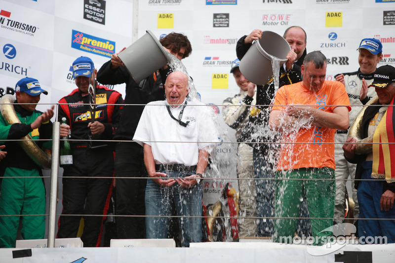 ALS Ice Bucket Challenge on the Podium, Karl Mauer, VLN Chairman