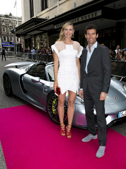 Maria Sharapova and Mark Webber with the Porsche 918 Spyder
