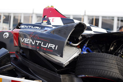 The crashed car of Nick Heidfeld