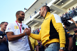 (L to R): Tony Parker, NBA Basketball Player with Cyril Abiteboul, Renault Sport F1 Managing Director