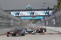 Start: Sam Bird, Virgin Racing leads