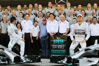 (L to R): Lewis Hamilton, Mercedes AMG F1 and team mate Nico Rosberg, Mercedes AMG F1 at a team photograph