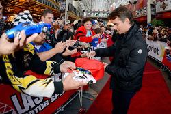 Jeff Gordon, Hendrick Motorsports signs autographs