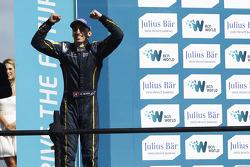 Race winner Sebastien Buemi, e.dams-Renault