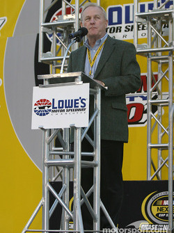 Drivers presentation: a word from Lowe's Motor Speedway president Humpy Wheeler