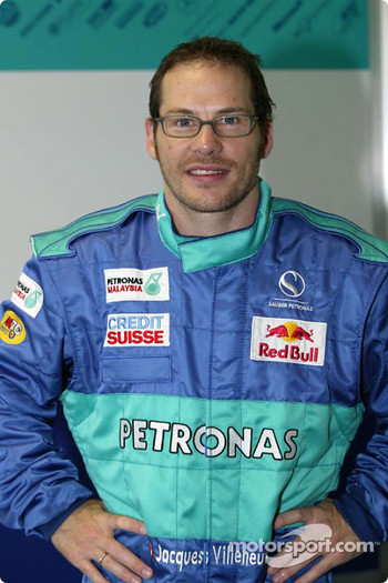 Jacques Villeneuve seat fitting at Sauber factory in Hinwil: Jacques Villeneuve