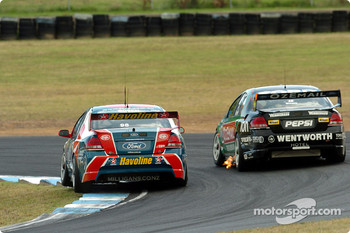 Russell Ingall takes the inside line at Turn 2