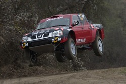 Carlos Sousa and Thierry Delli-Zotti test the Nissan Pick Up