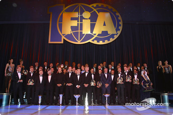 Family picture of all the 2004 FIA winners