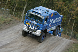 Team de Rooy presentation: Gerard de Rooy tests the rally truck DAF CF75 FAV4x4