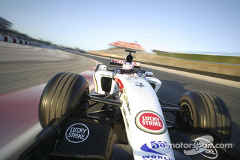 Heli-cam shot of Jenson Button testing the new BAR Honda 007