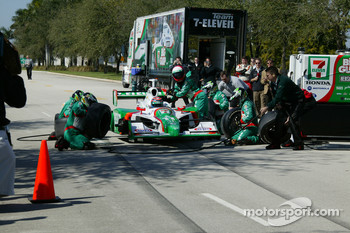 Toyota Indy 300 pitstop competition: Tony Kanaan