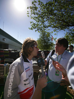 Jarno Trulli meets the media