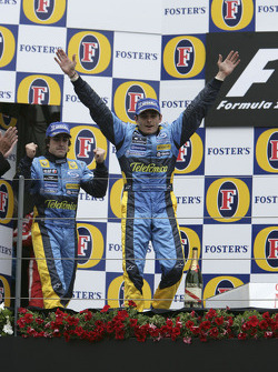Podium: race winner Giancarlo Fisichella with Fernando Alonso