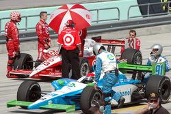 Paul Dana on the starting grid