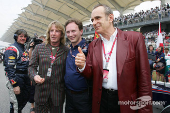 Christian Horner and guests on the starting grid