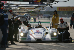 Pitstop for #2 ADT Champion Racing Audi R8: Frank Biela, Emanuele Pirro, Allan McNish