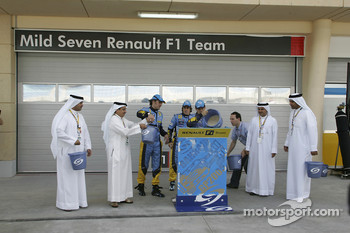 Franck Montagny, Giancarlo Fisichella and Fernando Alonso with Renault F1 VIP guests